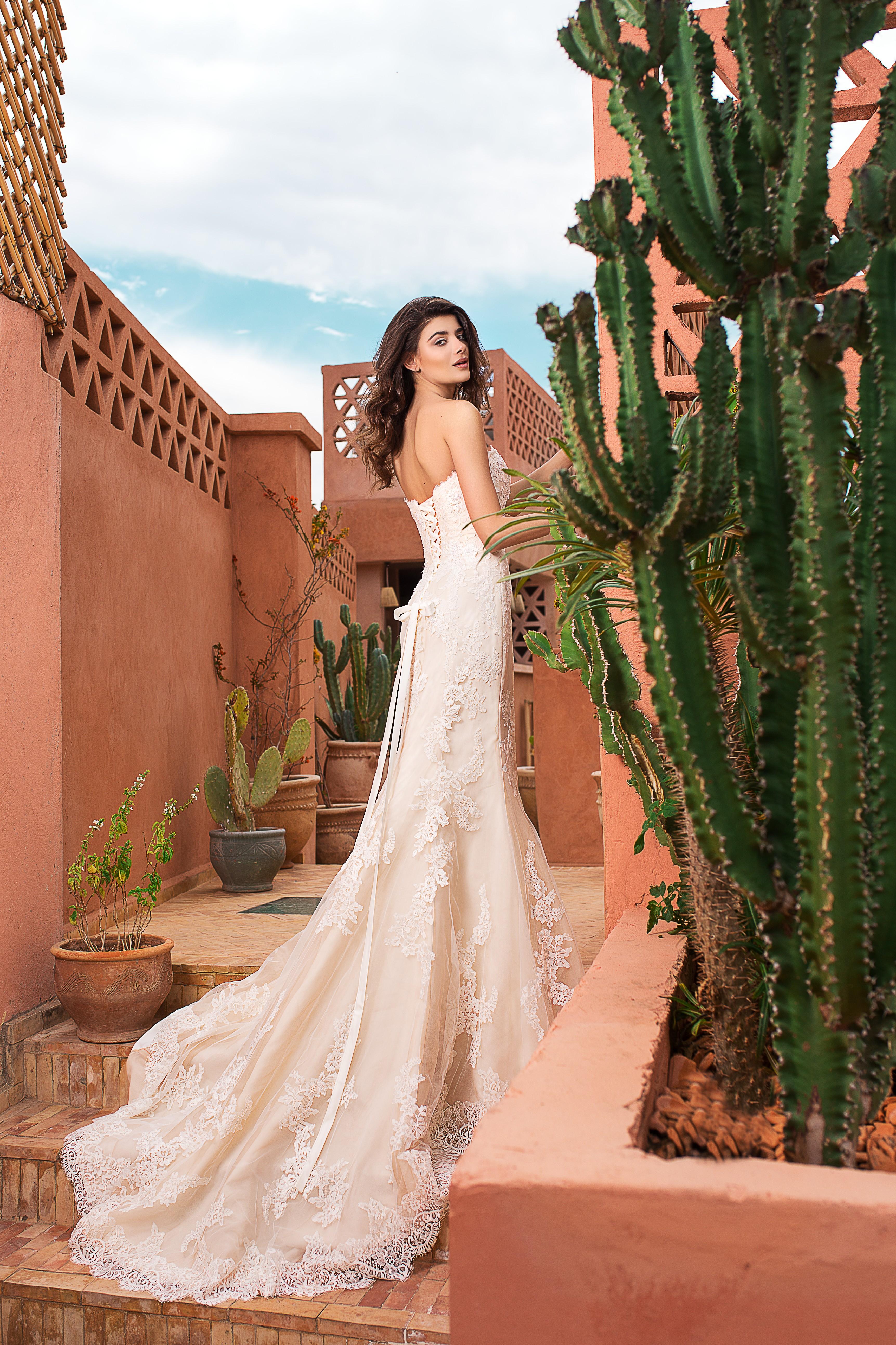 94e0954d626 ... на SAN PATRICK & WHITE ONE by Pronovias Fashion Group – световен лидер  в булчинската мода. Като единствени представителни за България на булчинкси  рокли ...